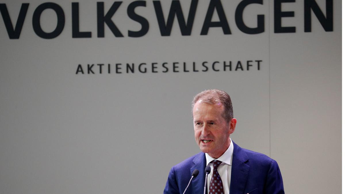Herbert Diess, consejero delegado del grupo Volkswagen, en su reciente visita a Seat en Martorell.