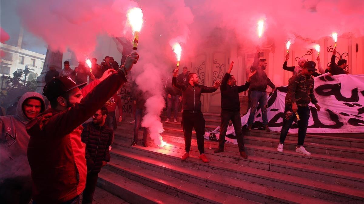 Tunísia torna indignada al carrer set anys després de la revolució