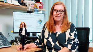 Barbie dedica una muñeca a Sarah Gilbert, creadora de la vacuna de Oxford.