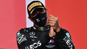 Lewis Hamilton gana en Imola y da el mundial de constructores a Mercedes.