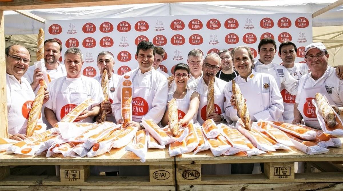 Reparto de pan artesanal gratis en Barcelona.