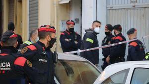 Operativo contra el tráfico de marihuana en Barcelona, entre las calles de Mare de Déu del Port y Sant Eloi.