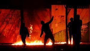 Crema Belfast: Les causes dels disturbis a Irlanda del Nord