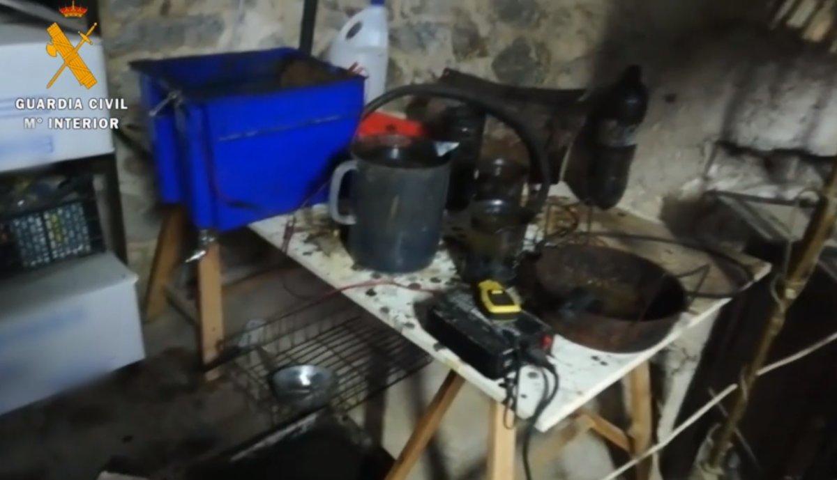 Imagen del supuesto material explosivo incautado en la operación contra CDR.