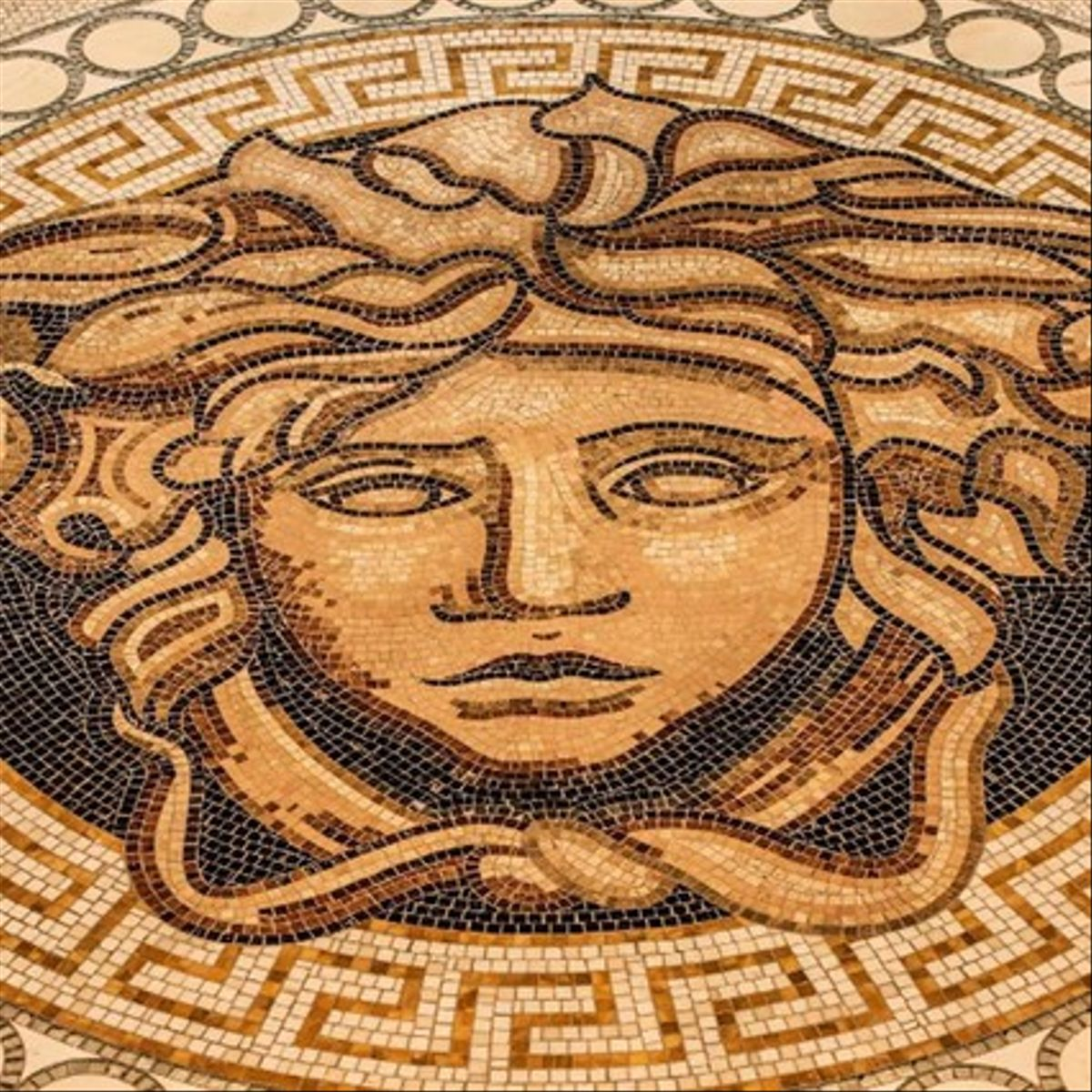 Mosaico del hotel con la imagende Versace