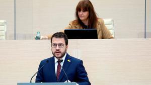 Pere Aragonès y Laura Borràs, durante la fallida sesión de investidura.