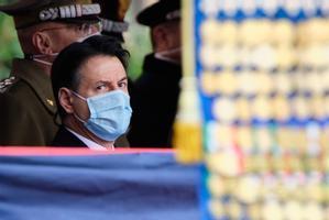 El primer ministro italiano, Giuseppe Conte, en una ceremonia en Roma este viernes.