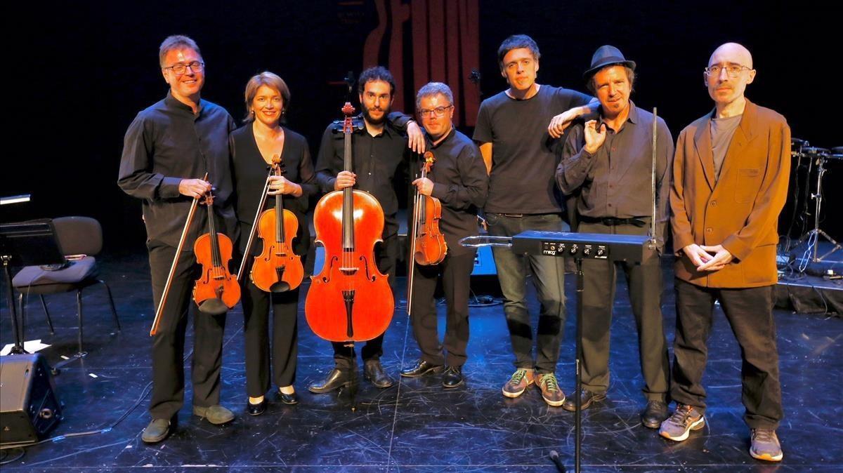 The Pinker Tones, elQuartet Brossa y el actor y bailarín Toni Mira.