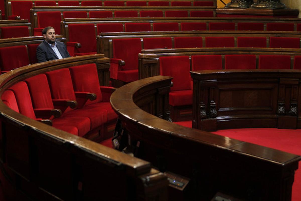 Oriol Junqueras, en su escaño, antes del debate.
