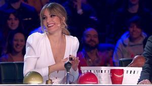 La cantante Edurne, que participó en la segunda semifinal de 'Got Talent España' es una de las 35 artistas que colaboran en 'Solo quiero abrazarte, cuando todo esto acabe'.