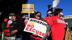 Biden recolza la històrica votació sindical a què Amazon s'oposa amb dents i ungles