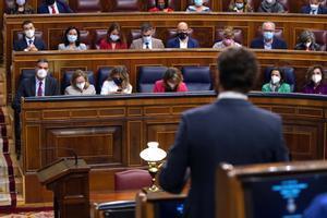MADRID 13-10-2021 POLITICA Sesión de control al Gobierno en el Congreso de los Diputados , en la imagen el presidente del Gobierno Pedro Sanchez y Pablo Casado de espaldas.
