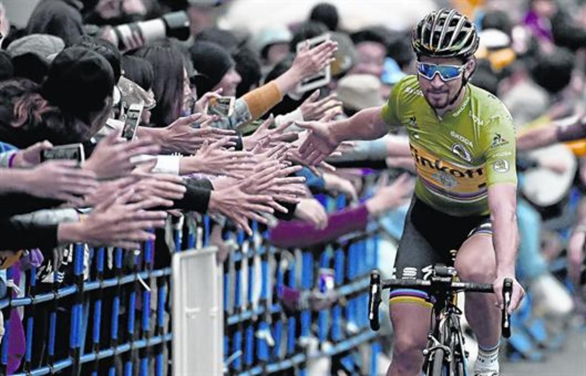 Sagan saluda al público japonés, el sábado pasado, en Saitama.