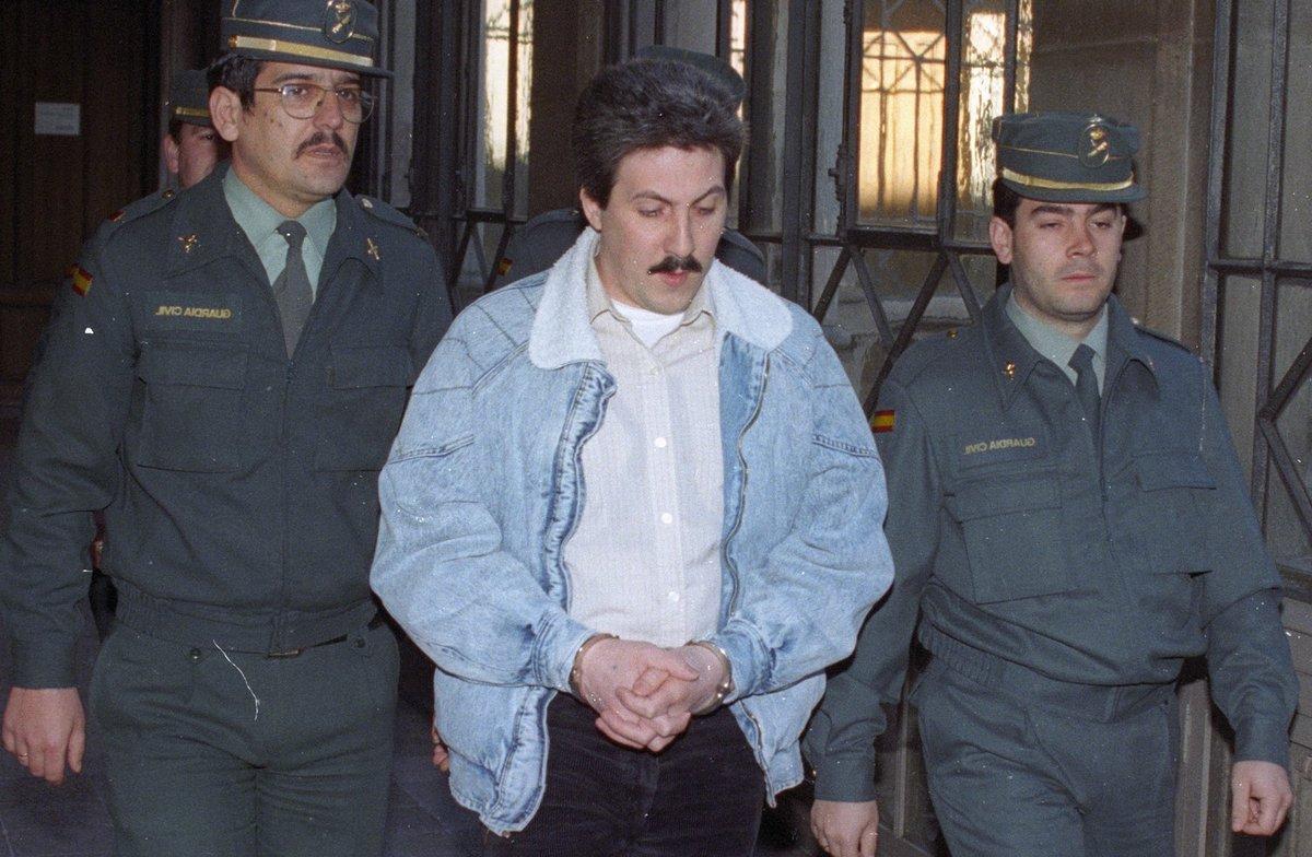 El violador de la Vall d'Hebron, camino de ser juzgado, en 1995.