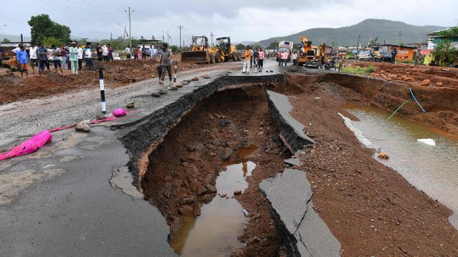 Al menos 72 muertos en la India por deslizamientos de tierra