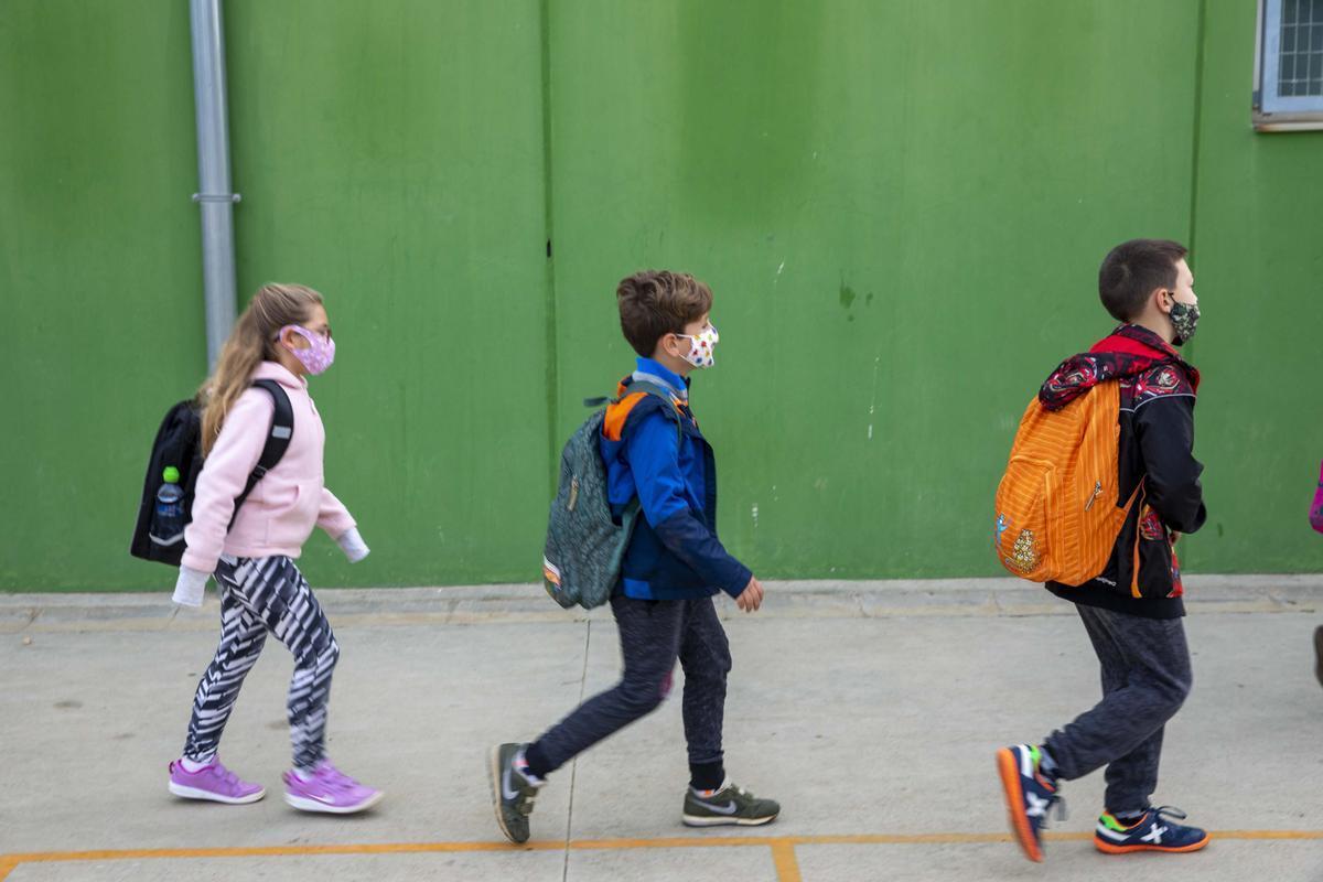 Este lunes comienzan las preinscripciones escolares para el curso/ Departament d'Educació