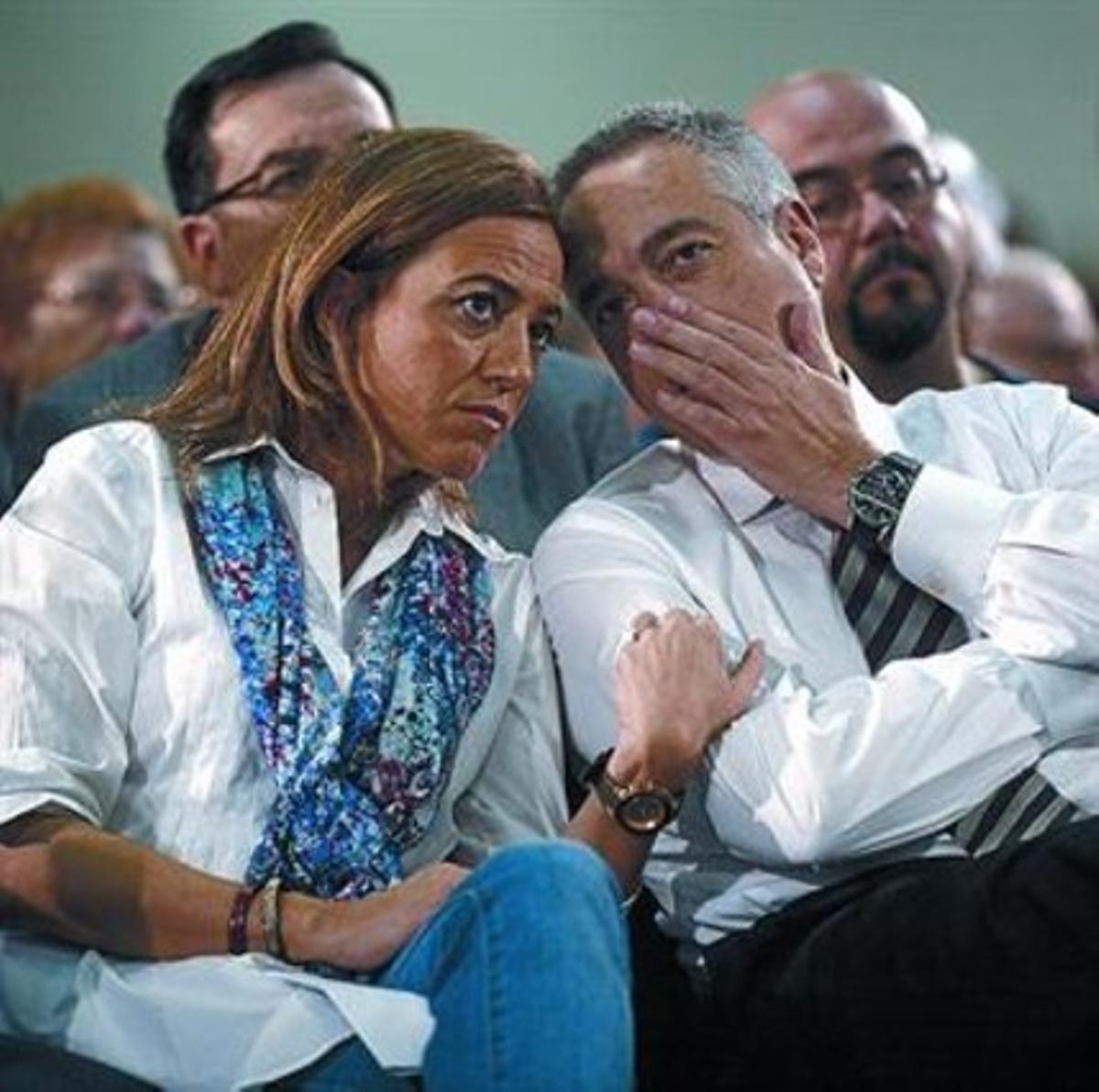 Chacón y Navarro, en un acto durante la campaña del 25-N.