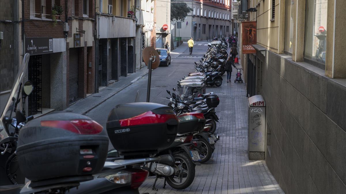 S'ha acabat el lliure albir de motos a les voreres de Barcelona
