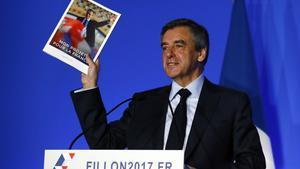 Fillon durante la presentación de su programa económico.