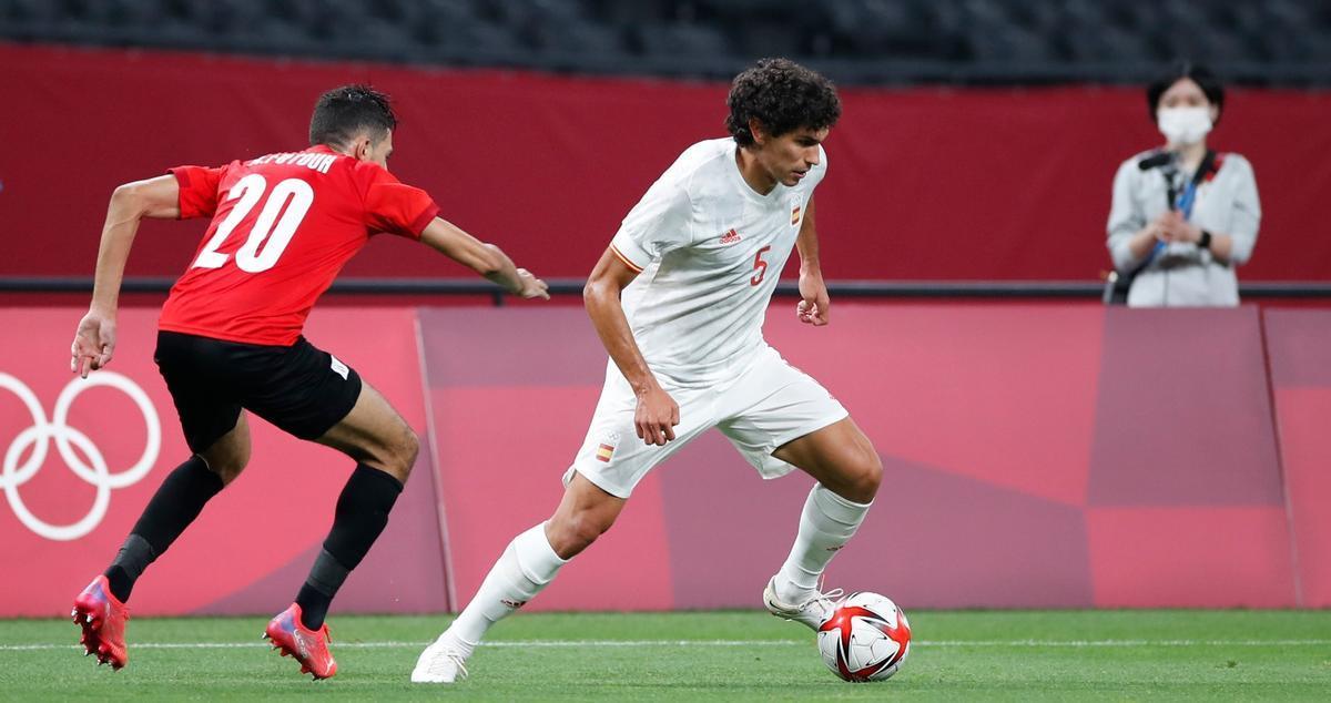 Jesús Vallejo sustituyó a Mingueza en el lateral derecho de la 'Rojita' ante Egipto.