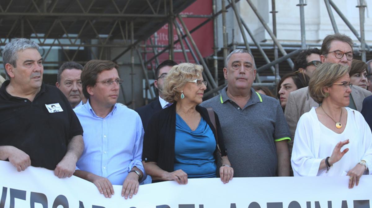 Los abucheos e insultos a Carmena deslucen la unidad en los homenajes a Miguel Ángel Blanco