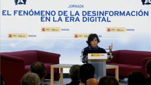 """Sáenz de Santamaría reinvidica el papel de los medios """"serios"""" ante las noticias falsas"""