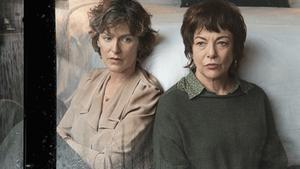 Mónica López y Lluïsa Castell, en 'Germanes', deWajdi Mouawad.
