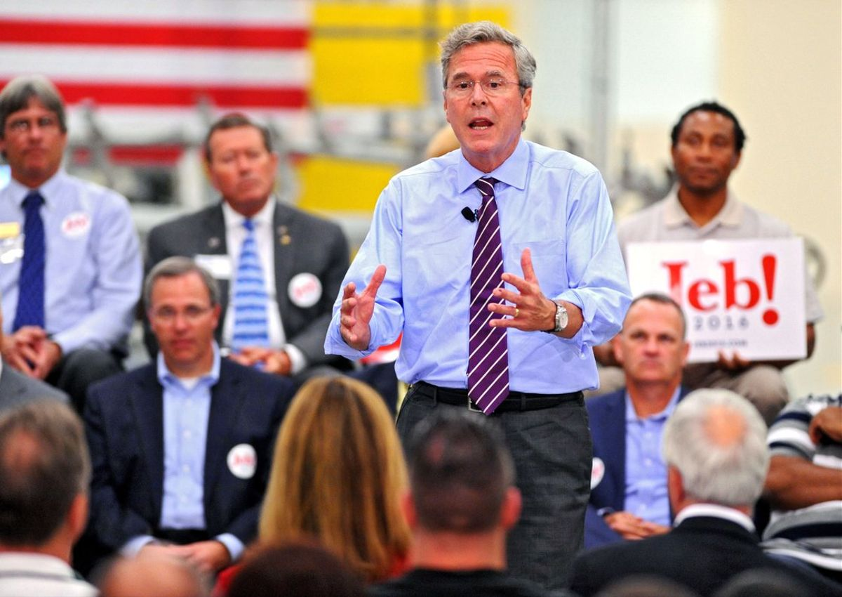 Jeb Bush durante la campaña presidencial en Jacksonville el 2015.