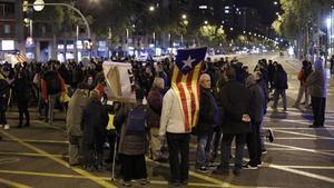 Corte en la avenida Meridiana de Barcelona a la altura de Fabra i Puig.