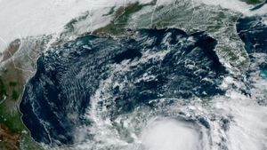 Toma satelital del huracán Zeta en las costas de México.