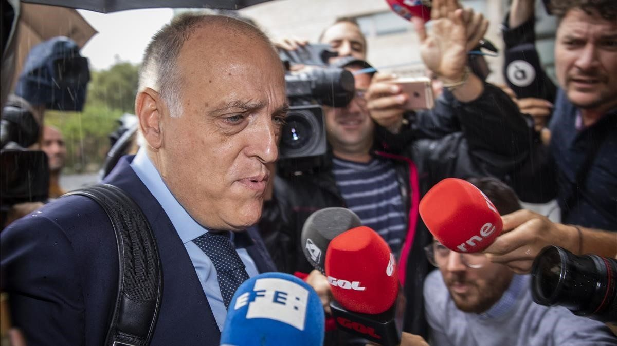 Tebas, presidenta de la Liga, a su entrada en la Ciudad de la Justicia para declarar como testigo en el caso del presunto amaño entre el Levante y el Zaragoza