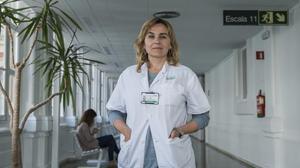 La psiquiatra Iria Méndez, en el Hospital Clínic.