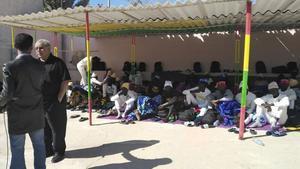 Algunos de los supervivientes de la patera naufragada en Mauritania.