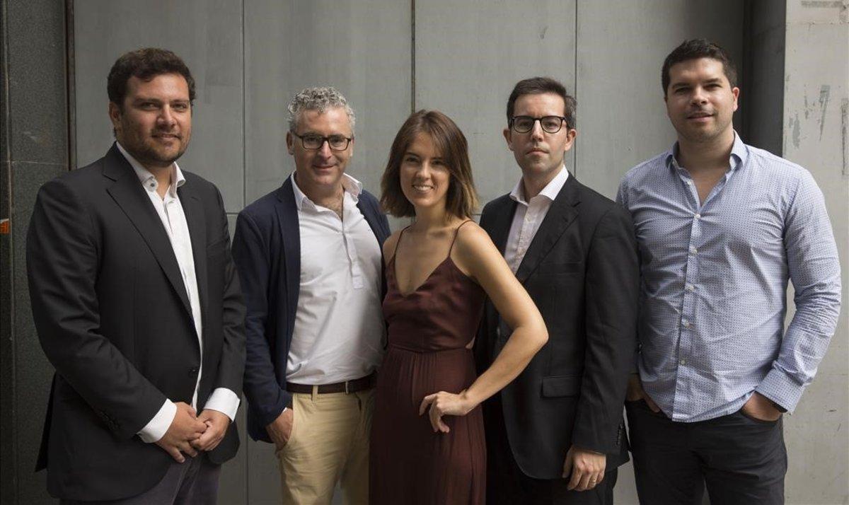De izquierda a derecha, Pere Monràs, Agustín Moro, Marta Viñas, Josemaria Siota y Antoni Guitart.