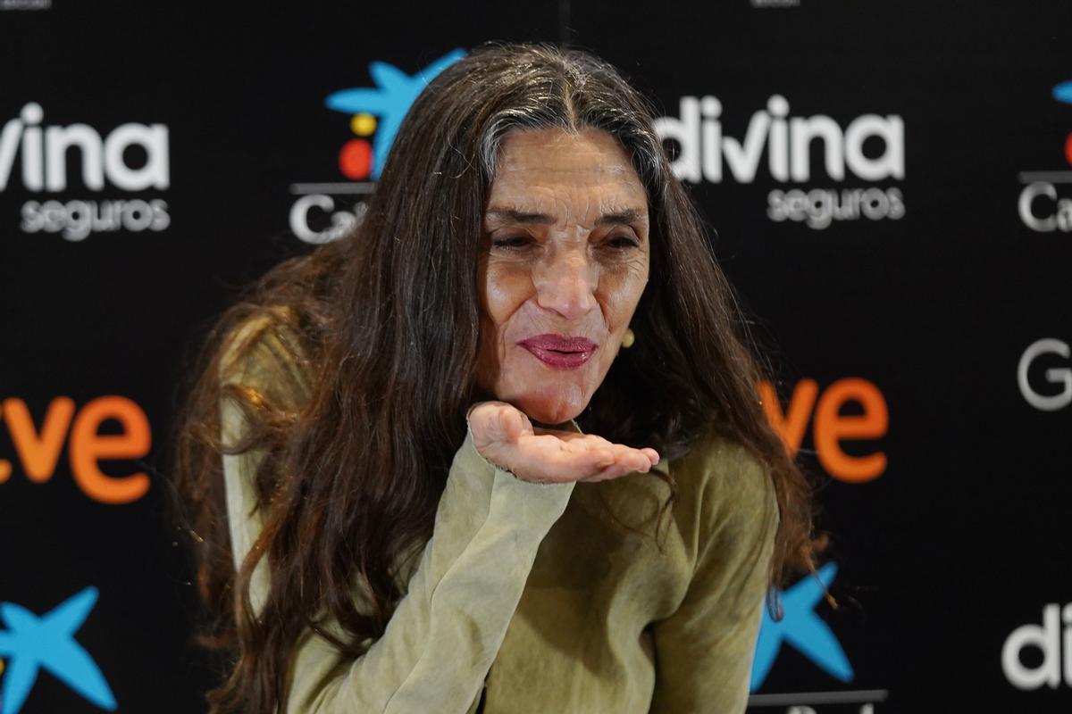 Ángela Molina posa antes de la rueda de prensa que ofreció en febrero al ser elegida Goya de Honor 2021.