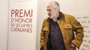 Quim Monzó en Òmnium Cultural durante el anuncio del premio.