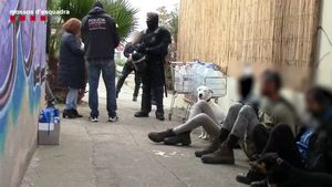 Los Mossos atribuyen tentativa de homicidio a los ocho anarquistas detenidos