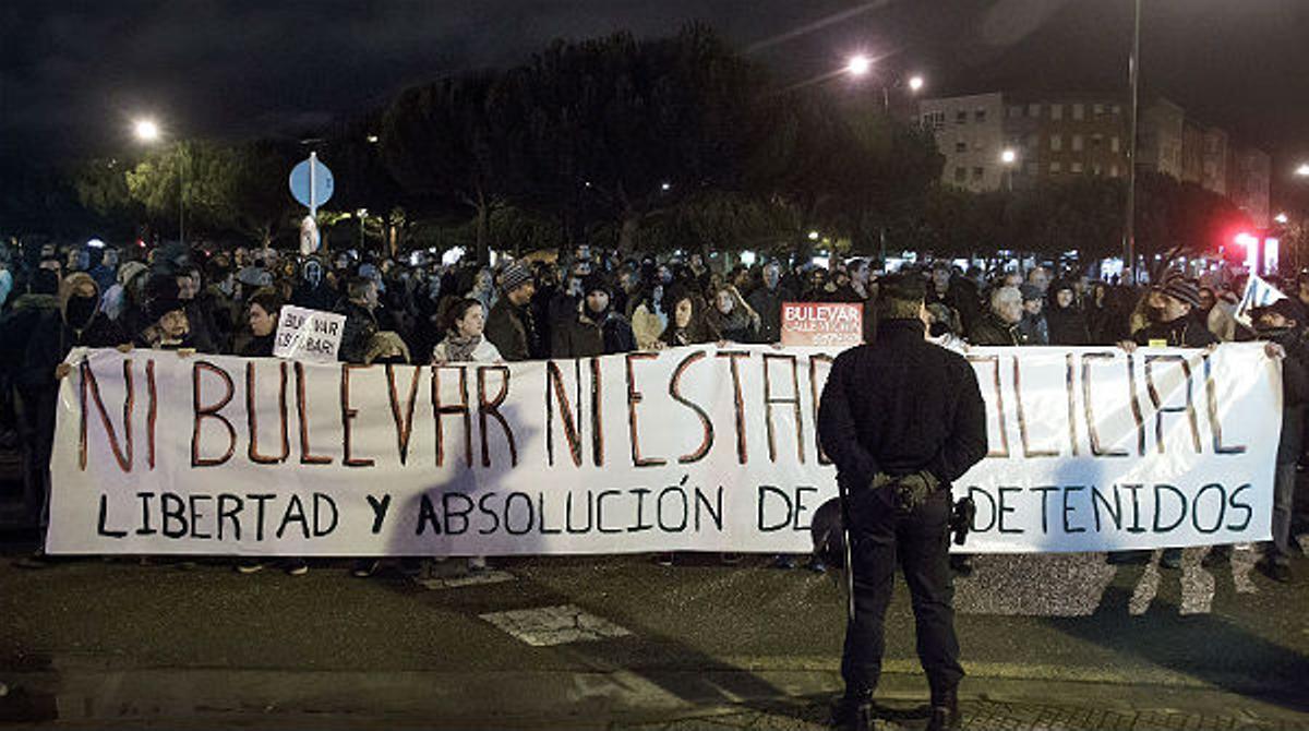 Quinta noche de protestas en el barrio de Gamonal en Burgos