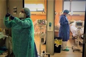 Els professionals de l'Esperit Sant de Santa Coloma fan balanç del primer any de pandèmia