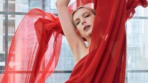 Halston x Netflix, la nova col·lecció d'alta costura de masses