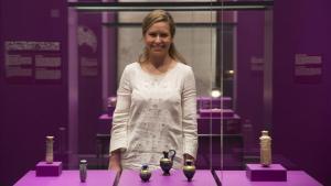 Sandra Iruela: «Els dòlars fan una olor peculiar que jo associo al poder»