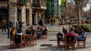 Terraza de un bar en el centro de Barcelona.