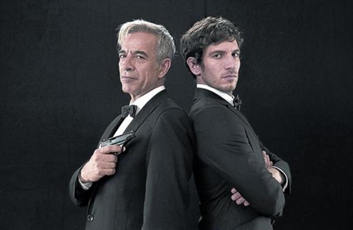 Imanol Arias y Quim Gutiérrez, caracterizados como Anacleto y su hijo.