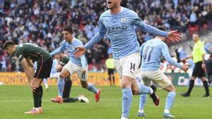 Laporte celebra el gol que le dio un nuevo título al City en Inglaterra