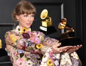 Taylor Swift (foto) y Beyoncé hacen historia en los Grammy.