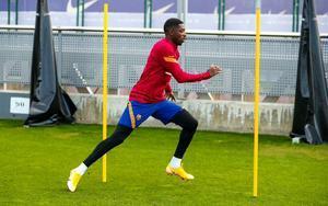 Dembélé, en el entrenamiento en la ciudad deportiva del Barça.