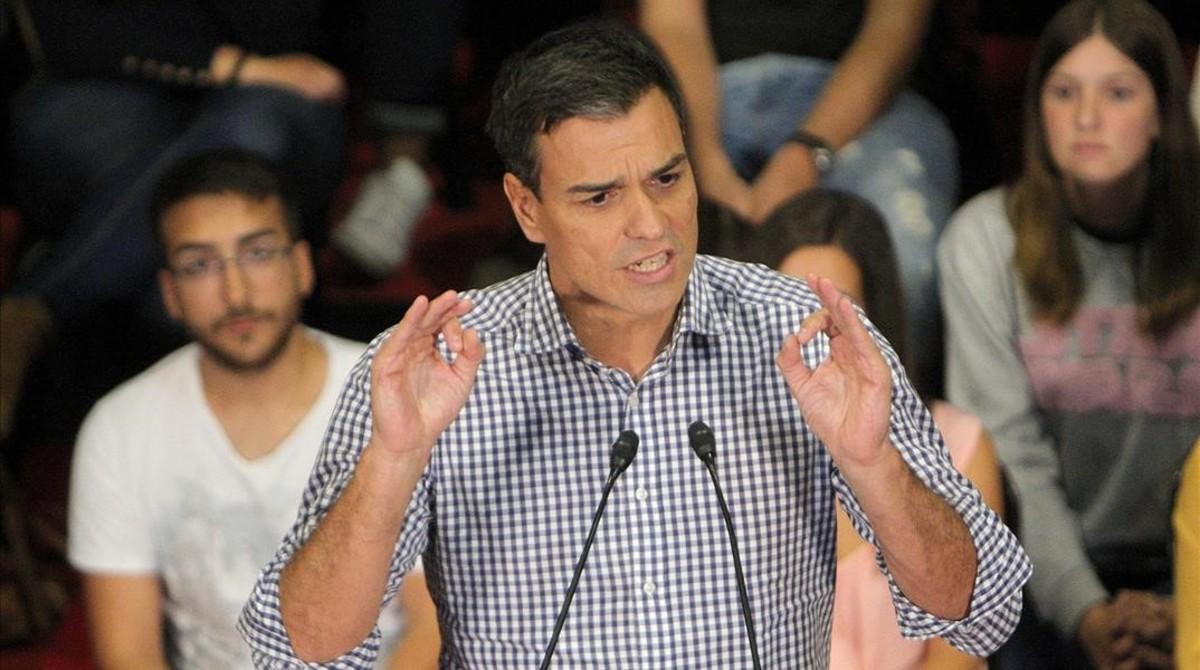 Sánchez, el pasado martes, durante un mitin en Santiago de Compostela.