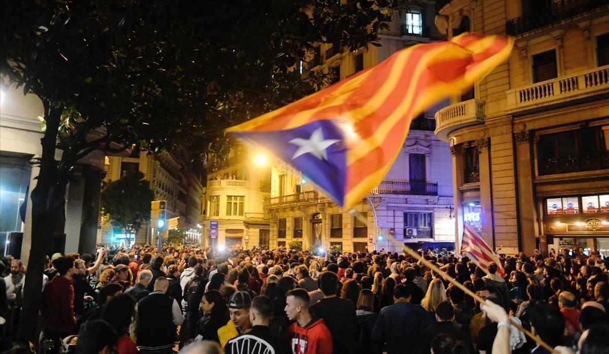 Encuesta CEO: El 'no' a la independencia de Catalunya roza el 50% y saca cinco puntos al 'sí'