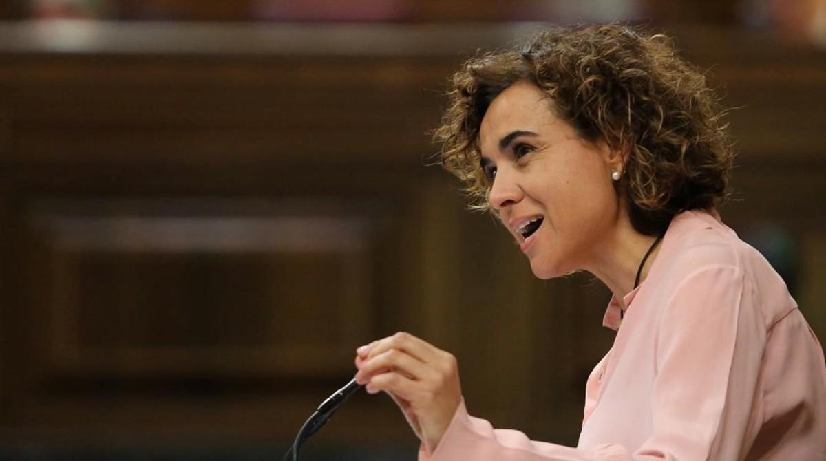 Dolors Montserrat, ministra de Sanidad, durante una intervención en el Pleno del Congreso.