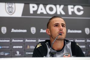 El futbolista del PAOKDimitris Pelkas antes de recibir al Besiktas.